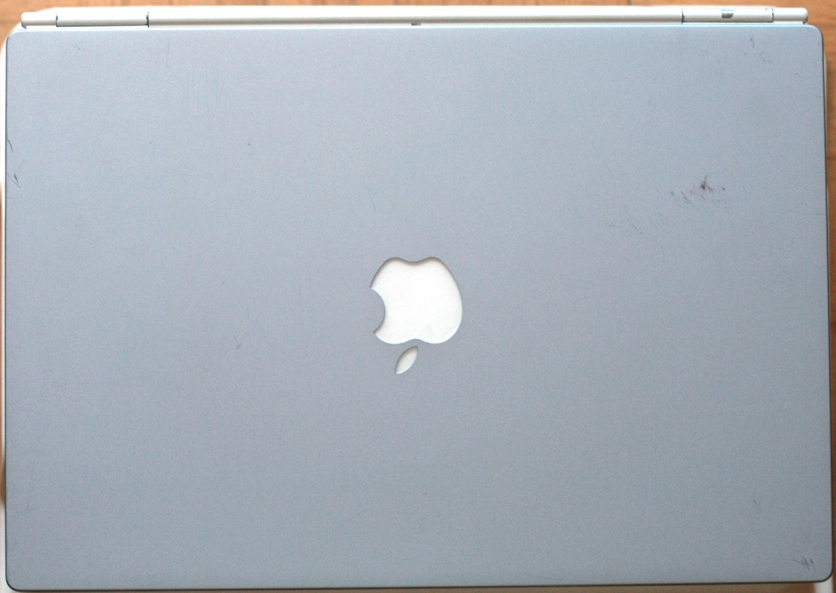 "Apple Macintosh • PowerBook G4 550 Mhz Titanium • M8407 • PowerPC 7440 • 15"" • 768 MB • 20 GB"
